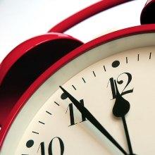 red-alarm-clock-480